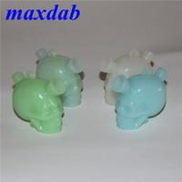 Resplandor en el silicón oscuro Skull Bubbler Bubbler Hookah Glass Bong Tubos de agua Pipas de aceite Mini Travel Bongs Fumar Tubería de mano