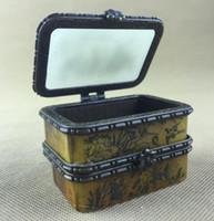 Antica scatola di gioielli cinesi, scatola squisita con immagine di cavalli incisi