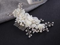 Mariée Peignes pour la mariée perles en cristal de mariée Bandeaux Veil robe de mariée Peigne Coiffes nuptiale de fleurs de soie Coiffe Accessoires cheveux