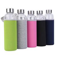550 ملليلتر العالمي bpa الحرة عالية مقاومة للحرارة الزجاج الرياضة زجاجة المياه مع مرشح الشاي infuser زجاجة إبريق حقيبة واقية