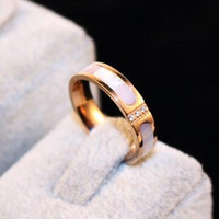 Nieuwe Designer Shell Ring Koreaanse Mode Rose Vergulde Vinger Crystal Charms Ring Titanium Stalen Ring voor Dames Kostuum Sieraden Bijoux