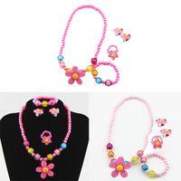 4pcs enfants bébé fille Imitation Perles perles Sun Flower Collier Bracelet Anneaux Boucles d'oreilles Décoration Bijoux Set Party Enfants Cadeaux Bébé