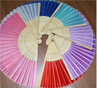 Ventiladores chinos de la mano de la fan de bambú ventilador nupcial de la boda 2015 nuevo regalo del partido de la llegada diverso color