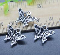 Commercio all'ingrosso 100pcs carino pendente della lega di fascini della farfalla monili retrò rendendo portachiavi in argento antico ciondolo per orecchini 14 * 17mm