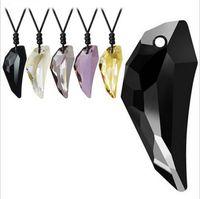 Accesorios de moda Collar de cristal de los amantes del cristal del diente del lobo de cristal natural Colgante de doce colores