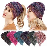 2018 inverno knit cc chapéus rabo de cavalo de lã das mulheres multicolor  viseira gorro de malha tampas quentes bun crochet hat 7 cores 7e95d00c105