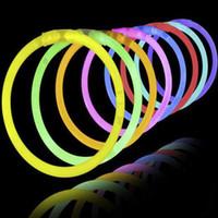 Kızdırma Sopa Bilezik Kolye Neon Parti Yanıp Sönen LED Işık Çubukları Değnek Yenilik Oyuncak LED Vokal Konser LED Flaş Sticks