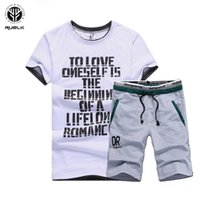 Ruelk Sportsuits Set Uomo t shirt Tute Summer 2PC Top Short Set uomo Stand collare Moda 2 pezzi T-shirt Shorts Tuta