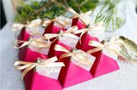 Tlap-up Üçgen Piramit Stil Şeker Hediye Kutuları Düğün Iyilik Parti Malzemeleri Kağıt ile Gül Kırmızı TEŞEKKÜR Kartı Çikolata Kutusu SN1366