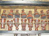 Juego tradicional al por mayor del estilo del ejército chino de 32 piezas Juego de ajedrez de cuero Tablero de la caja de madera