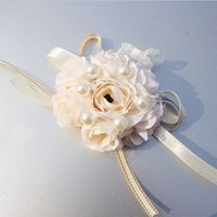 Feis Wholesale 2018新しい結婚式のアクセサリーの結婚式の花の花嫁の手の手首の花の花嫁介添人の手の花の新郎のコサージュ