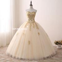 Champagne Gold Prom Dress Ball-jurk Quinceanera Jurkenses Lace-up Back Floor Lengte Floral Applique Met Beads Pailletten Avondjurken