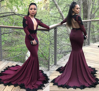 Sexy Plugging V Neck Dark Red Prom Dresses Arab Sheer Manga comprida Black Appliques Sequined Mermaid Prom Party Gowns