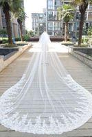 Bling Bling Crystal Bridal Veils Longitud Catedral Accesorios de boda 2020 apliques de encaje Accesorios de boda con cuentas con peines en stock