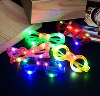 Mode papillon de coeur clignotant Led Lunettes Parti lumineux Éclairage décoratif classique Cadeaux Cadeaux Fête Lumière vive
