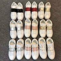 Tasarımcı Yepyeni Kadınlar okul ayakkabıları Lüks loafer'lar 34-44 cusual Rivert Düşük kadar kızla renk şerit Spor Ayakkabılar beyaz deri mens