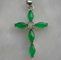 Бабушка Зеленый Малайский Нефрит Падение Крест Нефрит Кулон Классический Пара Ожерелье
