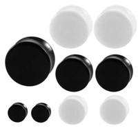 Paar WeißBlack Acryl Ohr Tunnel Stecker Einfache Stile Ohr Gauges Piercing Doppel Curved Sattel Expander Bahre Körperschmuck