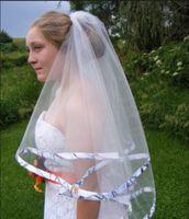 2016 livraison gratuite nouvelle arrivée coude longueur ruban de mariage bord court deux couches voile de mariée avec peigne de haute qualité
