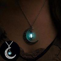 قلادة المجوهرات النسائية بحار القمر قلادة حجر يتوهج في الظلام نصف الهلال القمر قلادة فضية لجميع القديسين هدية