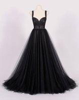 Noir A-Line Robe de mariée gothique vintage avec des sangles simples robes de mariée informelles élégantes avec corset de couleur arrière-train court