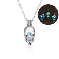 الجمجمة قلادة قلادة مجوهرات مضيئة هالوين يتوهج في الظلام بيان الهيكل العظمي بيان قلادة للنساء هدية