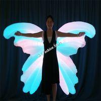 Il colore pieno gonfiabile programmabile TC-185 ha condotto le ali della farfalla di ballo delle donne della sala da ballo dei costumi vestono il modello luminoso luminoso della passerella di usura colourful