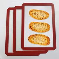 """Juego de tapetes para hornear de silicona, tamaño de media hoja para galletas para hornear, pastelería, macarrón, excelente trabajo con horno (11-5 / 8 """"x 16-1 / 2"""", rojo)"""