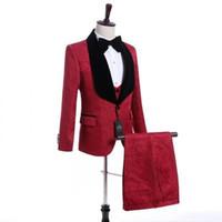 Personalizza Scialle Bordeaux Risvolto One Button Smoking da sposo Smoking Abiti da uomo Matrimonio / Ballo / Cena Best Man Blazer (Giacca + Cravatta + Gilet + Pantaloni) N59
