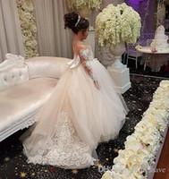 Nuovi abiti da bambina in tulle per matrimoni Maniche lunghe a illusione Abito da prima comunione Abito da spettacolo per bambina su misura