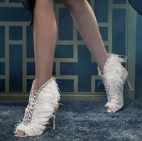 Kadınlar günü Moda Kürk Kadınlar Yaz Boots Lüks Kristal Peep Toe Kayma Pist Parti Düğün Ayakkabı Zapatos Mujer pompaları