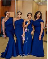 Barato atractivo sirena de un hombro del azul real vestidos de dama de patrones Tamaño africana de Nigeria de Vestidos de Novia Plus formal viste el envío libre