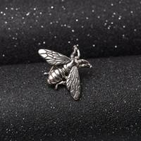 Sıcak Satış Vintage Antika Stereoskopik Metal Sevimli Arı Fly Böcek Broş Giysi Pin Aksesuarları Doğum Günü Hediyeleri Takı