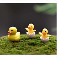 3 pc / set Figuras de Pato Amarelo Miniatura Estatueta mini jardim de fadas Micro Paisagem animal Dos Desenhos Animados estátua resina artesanato