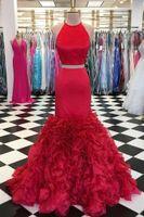 Rot billig Meerjungfrau-Abendkleid 2021 Zwei Stücke Halfter Backless Satin Rüste Bodenlangen Kleider Abend Formale Partykleider für Frauen