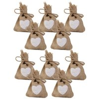 10PCS طباعة الكتان الجوت كيس كيس الرباط أكياس هدية أكياس الحلوى الزفاف مع نمط القلب
