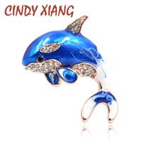CINDY XIANG Nuovo Arrivo Smalto Carino Blu Dolphin Spille per le Donne Strass Intarsio Inverno Cappotto Cappello Spilla Pins Gioielli di moda