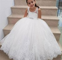 Principessa di fiori d'avorio Ragazze Abiti per matrimoni Gioiello di pizzo Appliques Sash Beads Kids Party Dress Piano Lunghezza Girls Pageant Dress