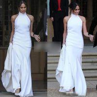 Elegante branco sereia vestidos de casamento 2018 príncipe harry meglan markle vestidos de festa de casamento halter vestido receptado de casamento de cetim macio