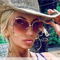 الساقين KADIGUCI العلامة التجارية عين القط النساء نظارات شمسية لؤلؤة الديكور ساحة الموضة نظارات شمسية السيدات التدرج واضح ظلال UV400 K369