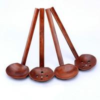 جديد أدوات المائدة الخشبية سلحفاة حساء ملعقة اليابانية رامين خشبي طويل مقبض مصفاة وعاء الساخنة ملعقة عملي ودائم