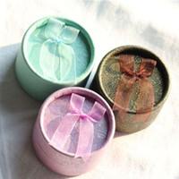 Mini caja de papel de almacenamiento de joyas forma redonda Pequeña caja de regalo linda para pendientes de anillo 3 colores para la selección