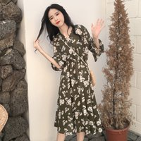Mazefeng 2018 New Autumn Clothing Female Vintage V-neck Dress Ladies Flare Sleeve Dress Women Casual Floral Print Dresses A-Line