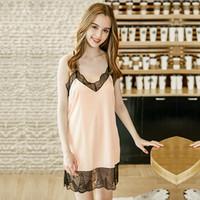 be0a86043cb Luxe été dentelle garniture pyjamas soie robe de sommeil Sexy col en V robe  coulissante sans manches Lady Satin chemise de nuit homewear Pijama Feminino