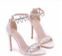 الأبيض أحذية الزفاف مصمم النساء كريستال صنادل للشاطئ البلد حفلات الزفاف في الهواء الطلق الصيف نمط 11 سم ارتفاع كعب تو فتح