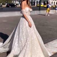 80bf8211f85a 2019 Tulle scintillante paillettes abiti da sposa arabi glitter pizzo  incollato al largo della spalla una