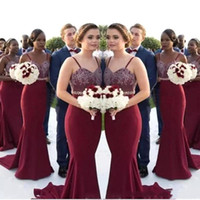 2020 Burgandy 나라 들러리 드레스 인어 스파게티 스윕 기차 신부 들러리 드레스와 새해 크리스탈 장식 띠 웨딩 게스트 드레스