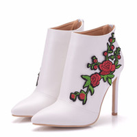 New pointed toe shoes for women red lace Appliques flowers heels wedding shoes thin heel boots Plus Size Bridal elegant martin boots