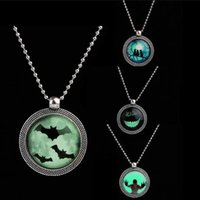 Punk Steampunk Noctilucence Bat Collar Cat Simle Necklace brillan en la oscuridad largos collares pendientes para Halloween