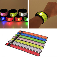 Led Wristband Sport Slap Wrist Strap Bands Light Flash Bracciale Glowng Armband Strap Per Party Concert Armband Halloween Natale HH7-1268